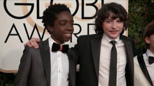 'Stranger Things Kids Fashion   Golden Globes 2017 1'