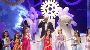 'Tenorul Bogdan Mihai si Corul de copii Miniton  la Kids Fashion Week 2017 -  Luna'