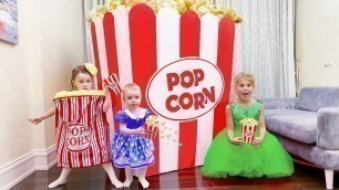 'Five Kids Pretend play with Food Toys Popcorn'